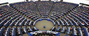 ELETTORI O CONSUMATORI? IL DEFICIT DEMOCRATICO NELL'UE COME PATOLOGIA SOCIALE